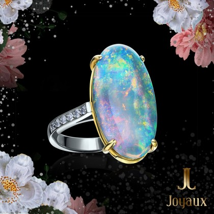 Opal 8,03ct. and Diamond Ring