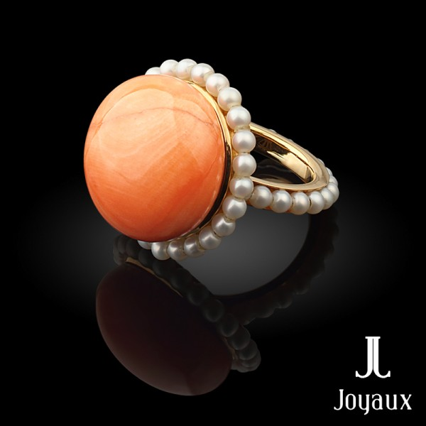 Sunrise in Mandalay: pink gold, corals, pearls