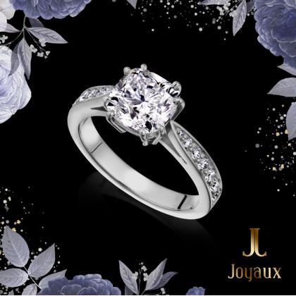 Diamond Engagement Ring With Diamond Set Shoulders