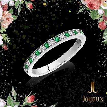 Diamonds and Emerald Half Eternity Ring 0,16cttw.