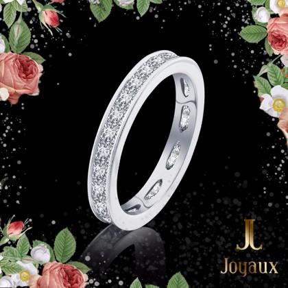 Princess Cut Diamond Eternity Ring 2,03cttw.