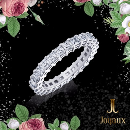 Emerald Cut Diamond Eternity Ring 2,5cttw.