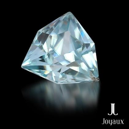 A set of four trillion-cut natural blue zircons 5,05cttw.