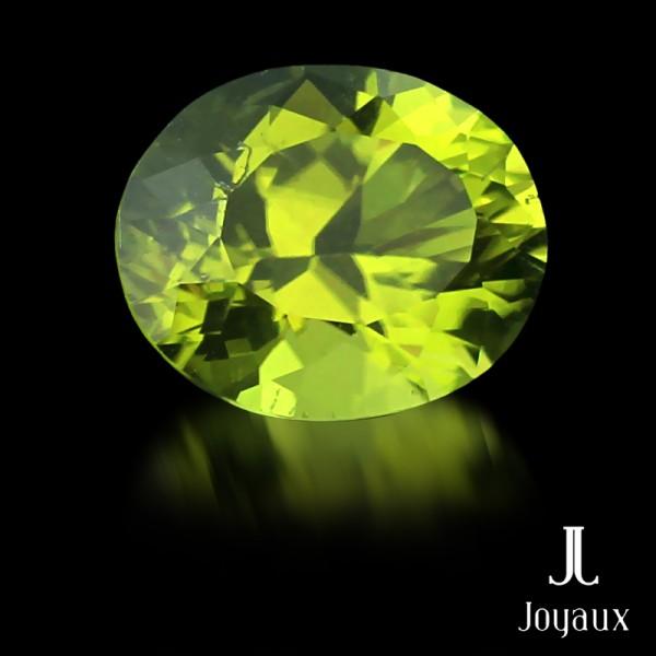 Intense Yellowish-Green Peridot 3,02ct.